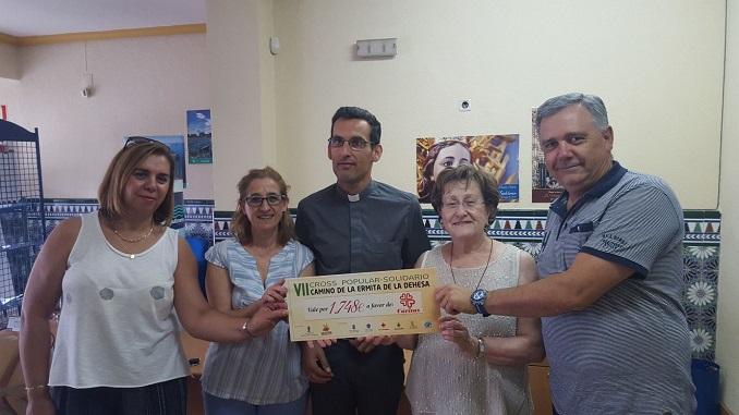 El CD. Lanchacabrera entrega cheque a Cáritas Jaraíz la recaudación del VII Cross y IV Ruta Senderista Camino de la Ermita de la Dehesa.