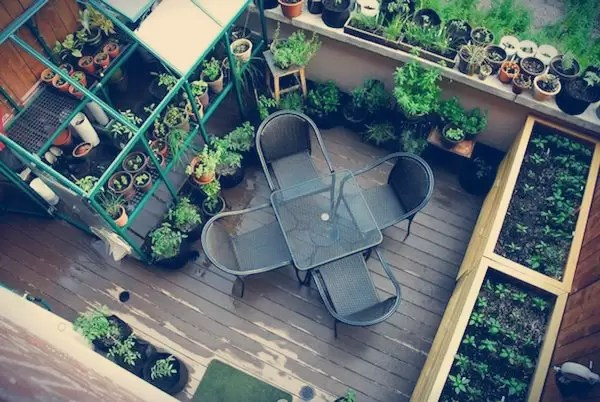 Balcony-garden-with-potted-plants