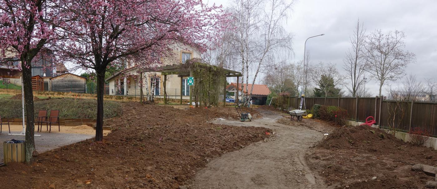 jardin-sensoriel-et-thérapeutique-EHPAD-démarage-chantier.jpg