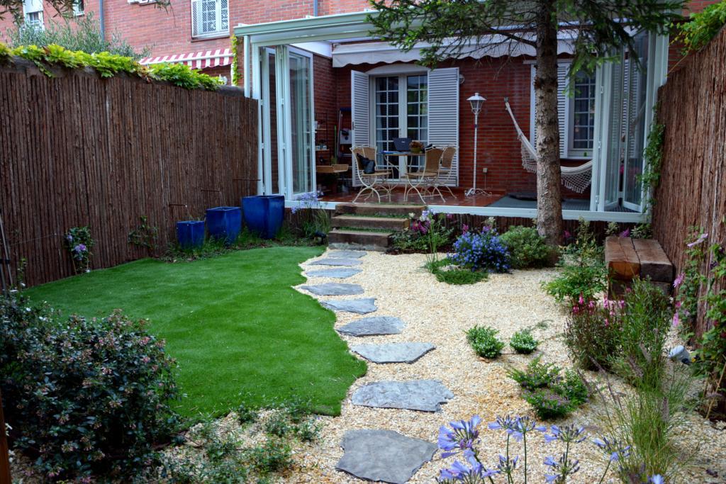 El antes y despu s de un peque o jard n jardines con alma - El jardin en casa ...