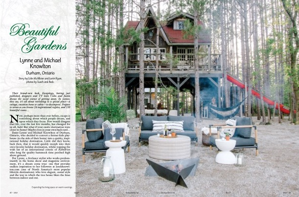 Deux pages d'un article tiré du magazine, portant sur une maison dans un arbre.