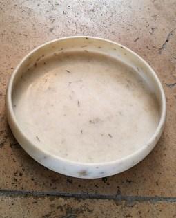 Coupe ronde en marbre blanc, Agra en INDE - Prix de vente : 140€.