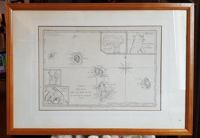 Carte de la Guadeloupe par Abel Pilon A. le Vasseur (éditeur Paris - 19ème), cadre en loupe d'orme, FRANCE - Dimension : 53,5 cm de haut x 52 cm de large - Prix de vente : 120€.