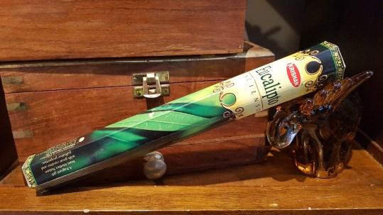 Encens MYSORE PATCHOULI mélange de feuilles d'eucalyptus et de résines de l'arbre « Malabarica », INDE – Quantité : 15 bâtonnets – Prix de vente : 2€.
