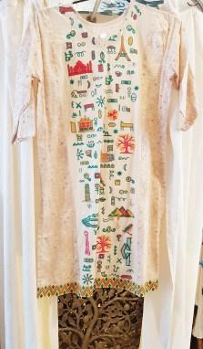 Tunique en voile de coton, fils en coton brodés, INDE - Taille : Taille unique - Prix de vente : 75€.