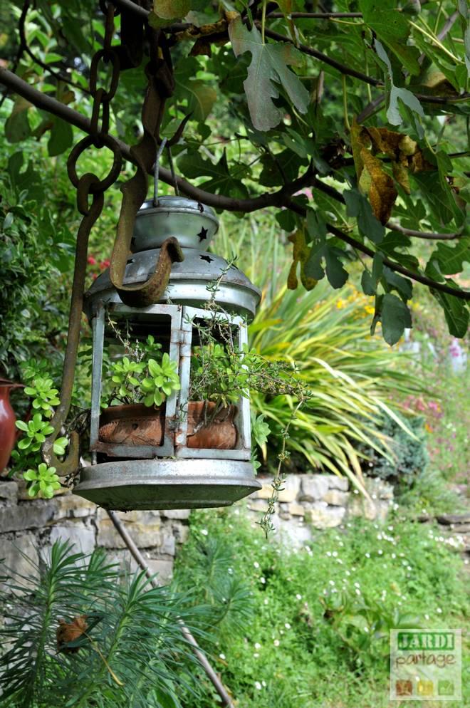 jardin avec de la recup