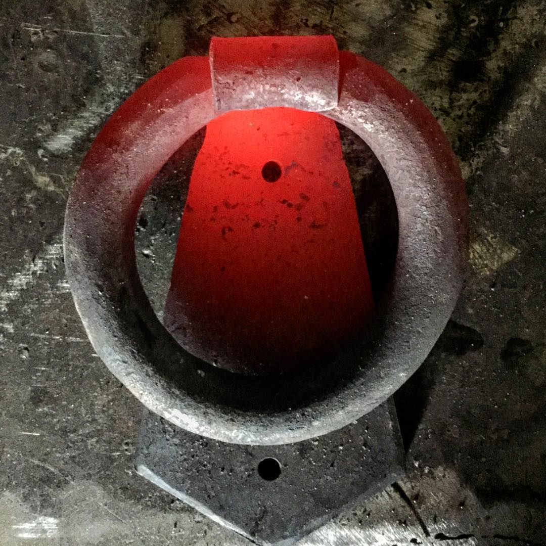 Simpel kläpp, direkt från ässjan. 🇬🇧Simple knocker fresh from the forge