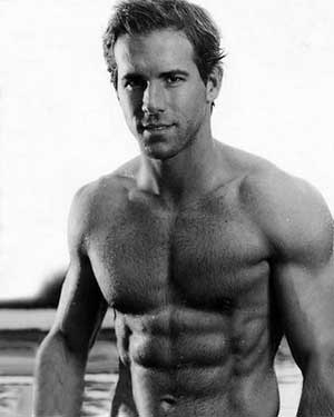 Ryan Reynold Six pack abs