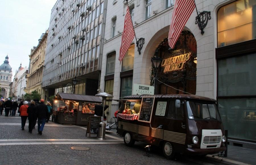 Street vendor or elite hotel restaurant