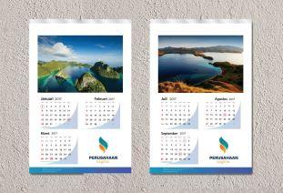mock-up-kalender-dinding-2-jasa-cetak-percetakan-pencetakan-pembuatan-kalender-meja-duduk-dinding