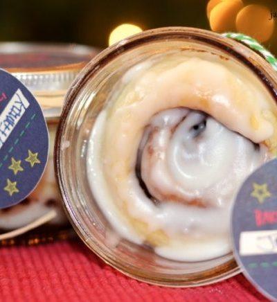 Mason Jar Cinnamon Rolls {with free printable Christmas Tags}