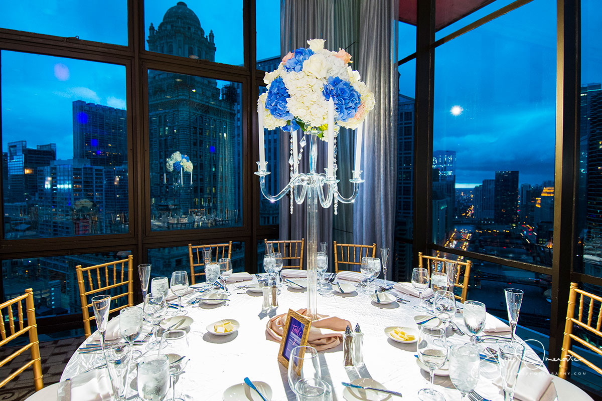 flower centerpiece at royal sonesta chicago wedding venue