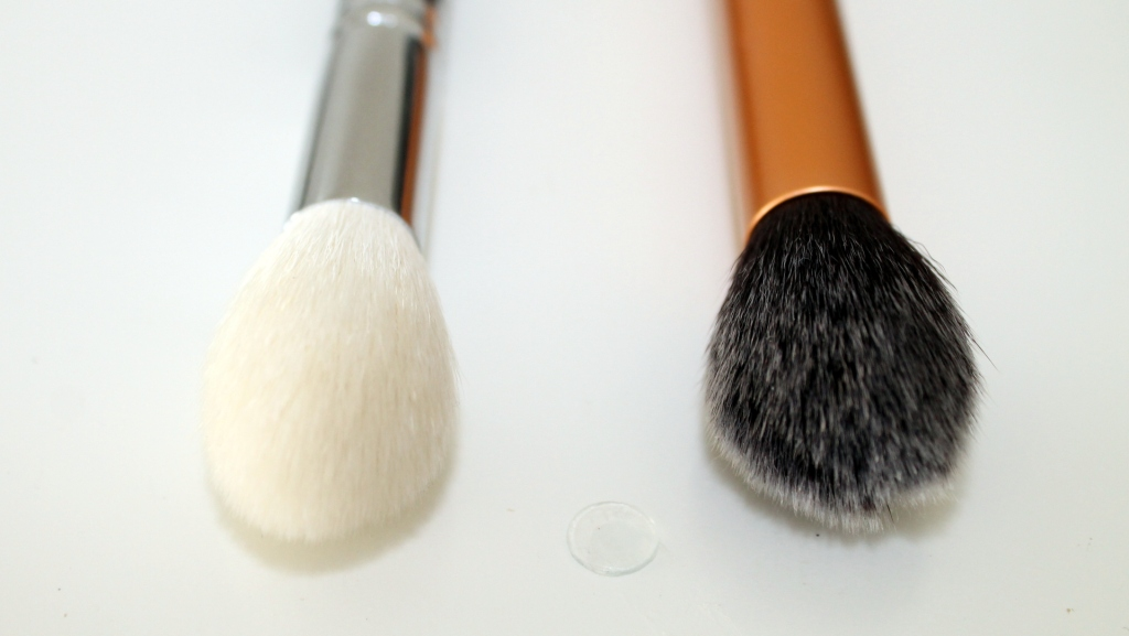 zoeva 105 luxe highlight vs real techniques contour brush