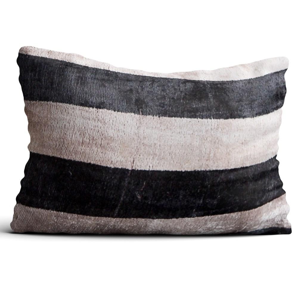 4323-silk-velvet-pillow