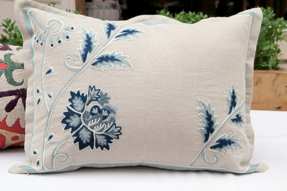 RH2-0010-FF-embroidered-pillow-1
