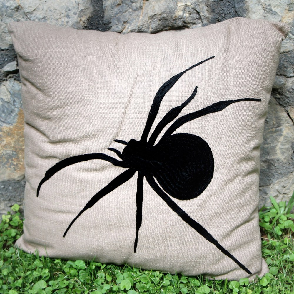 RH2-0018-GS-embroidered-pillow-square
