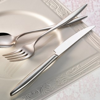 elegant-flatware-collection-lifestyle