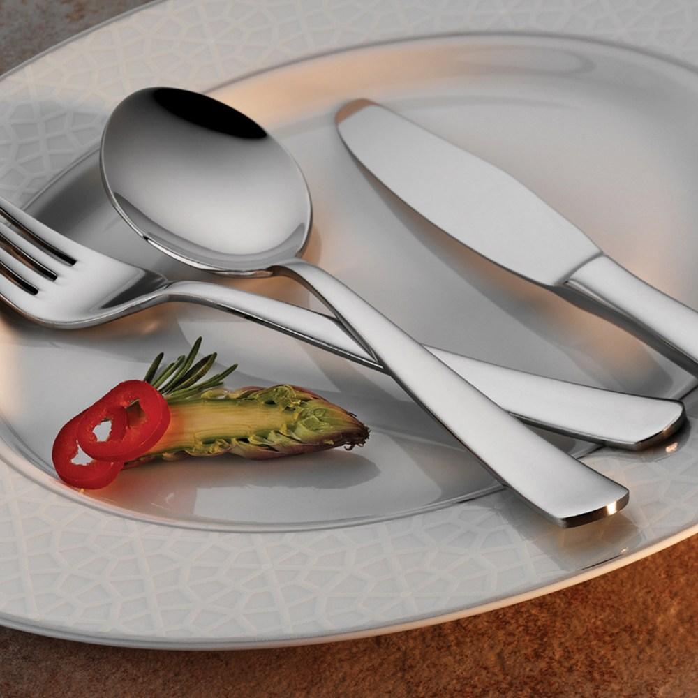 paris-flatware-collection-lifestyle