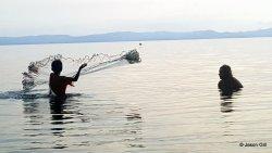 22. Ometepe Lake - Kid tossing net