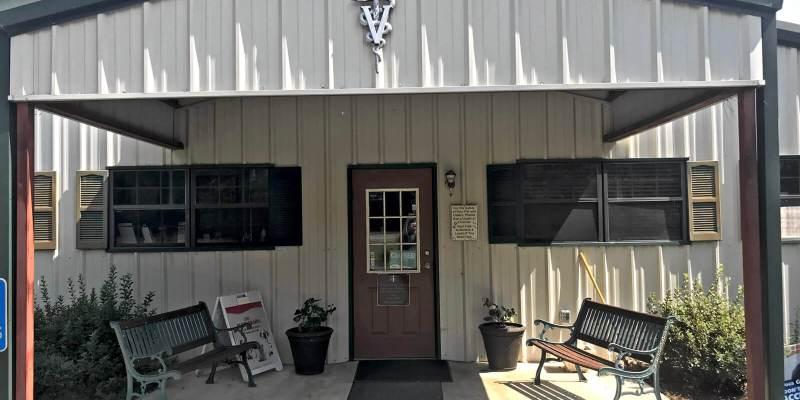 Front door of Irwin Animal Clinic in Ocilla, Georgia. Image by JasonHobbsDigital dot com.