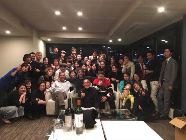 Group photograph of Jason Oliva Art and Wine event in Tokyo 2019