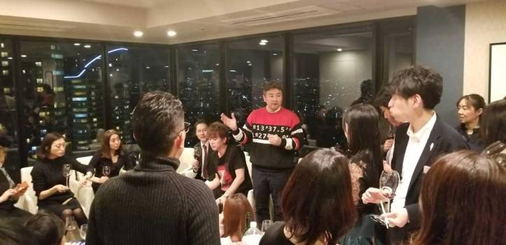 Hideyuuki speaks about the Art and wine to the attendees of the Jason Oliva Japan Art and Wine Event 2019