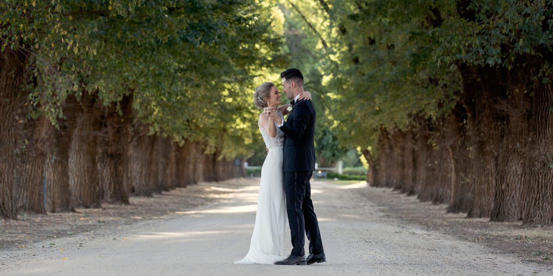 Wedding Photography at All Saints Estate Rutherglen by Wedding Photographer Jason Robins