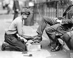 靴磨きの少年