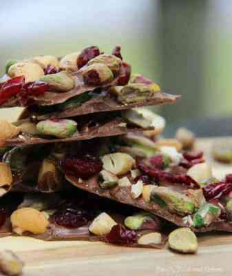 cranberry pistacchio cashew bark