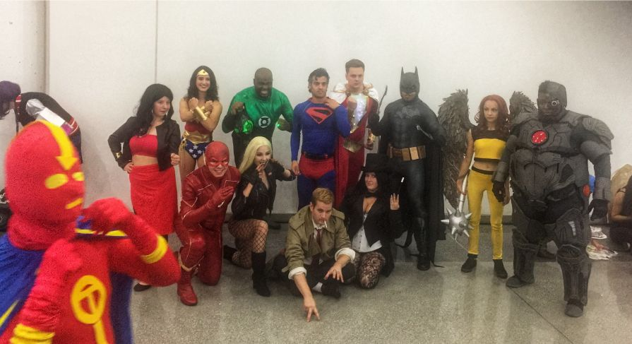 dc group shot at comic con in nyc