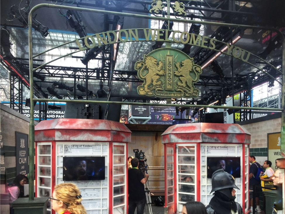 london welcomes you - booths in comic con