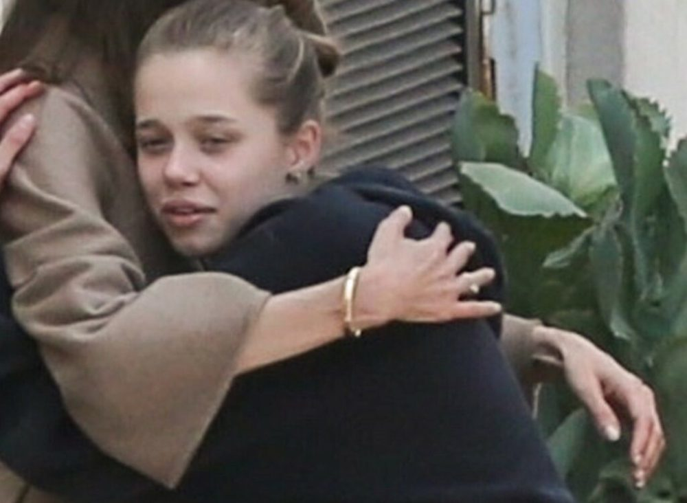 Angelina Jolie with the children after leaving the hospital