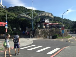 You'll see this once you exit the gondola station. On the left side is the cluster of hawker-style food stalls.