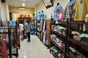 Setiap hari Batik GS selalu dikunjungi turis  lokal dan mancanegara