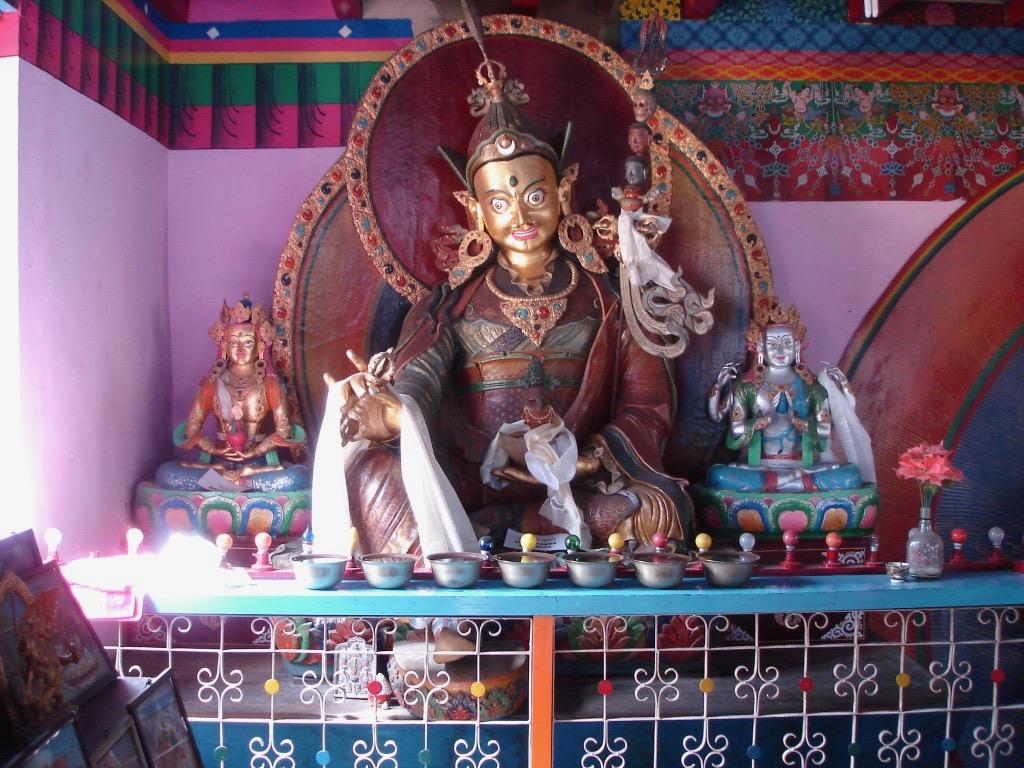 Staty av Padmasambhava