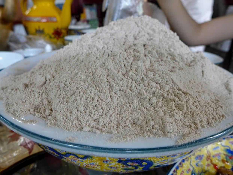 Tsampa. Rostad och mald kornmjöl