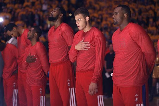 Clippers wear warm-ups inside out