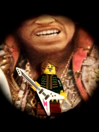 Lego just don't do suitable Hendrix hair; shame on them.
