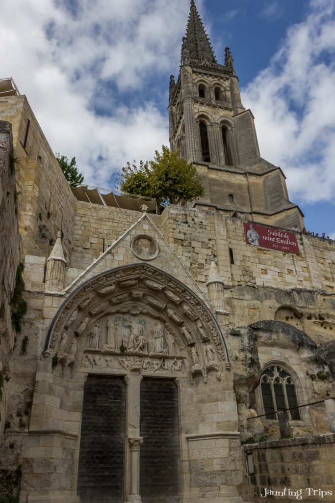 monolithic-church-saint-emilion