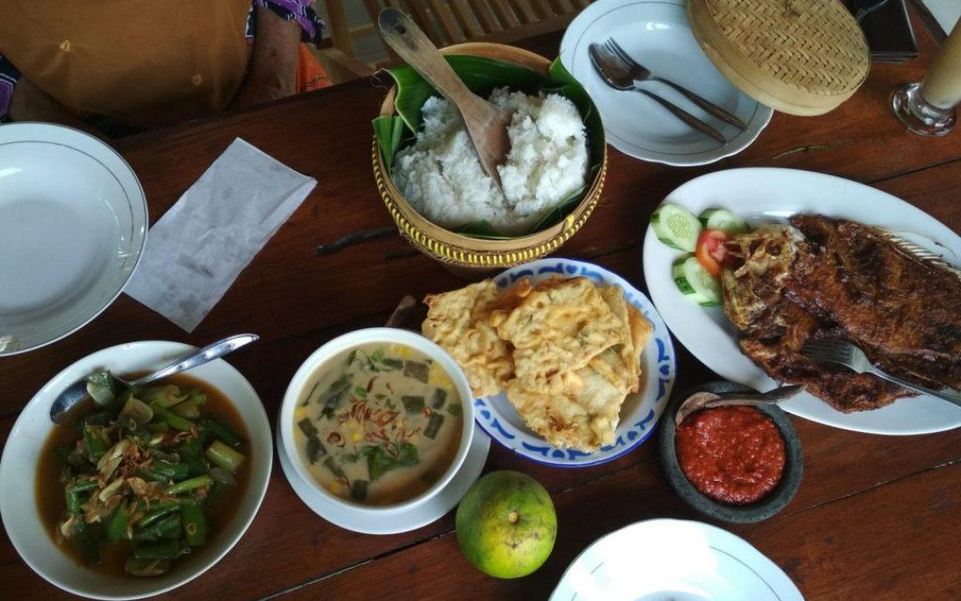 Un déjeuner Javanais à Omah Kecebong