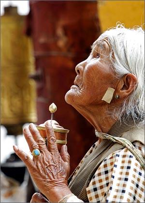 tibet-prayer