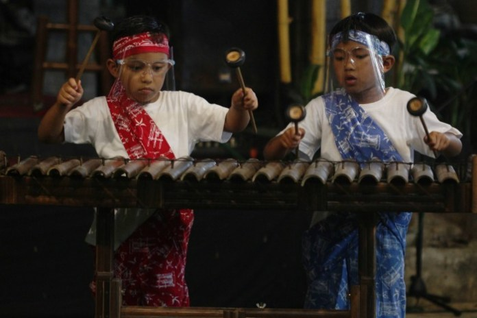 Pioneers Who Represent Indonesia To Introduce Javanese Culture From Various Angles
