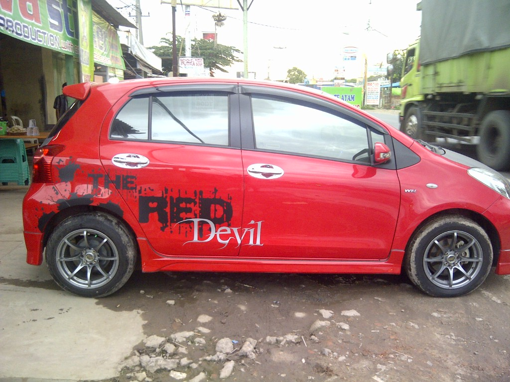 toyota yaris trd warna merah over kredit grand new avanza 2016  j va sticker