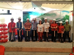 JDSM, PIC Executive Board and Managers at the ceremonial ground breaking.