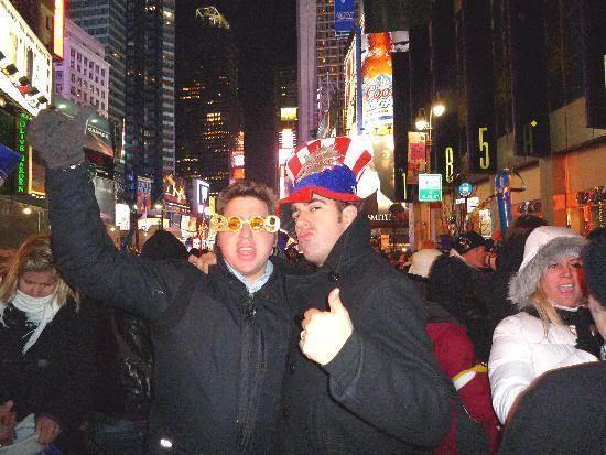 Los dos Javis celebrando el nuevo año en Times Square