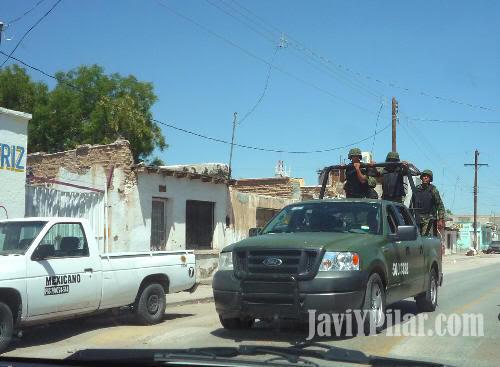 Foto tomada desde nuestro coche recorriendo las calles de Juárez. Agosto de 2009