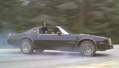 """Precioso Pontiac Firebird Trans Am de 1977 de """"Los Caraduras"""" (""""Smokey and the Bandit"""", 1977)"""