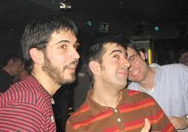 Juankar, Javi y Pablo haciendo el ganso en el concierto