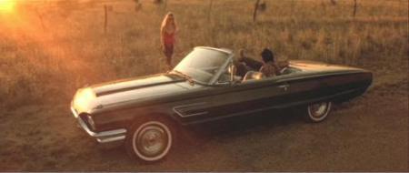 """En algún lugar de Texas a bordo del precioso Ford Thunderbird. """"Corazón Salvaje"""" (""""Wild At Heart"""", 1990)"""