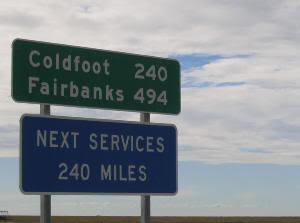 Señales a lo largo de la Dalton Highway (Alaska). 666 kilómetros de aventura
